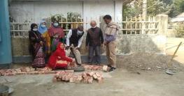 জয়পুরহাটে সরকারি প্রা: বিদ্যালয়ে শহীদ মিনারের ভিত্তি স্থাপন