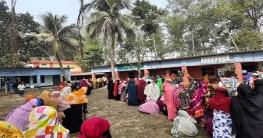 জয়পুরহাটের আক্কেলপুরে নারী ভোটারদের উপস্থিতি বেশি ছিল