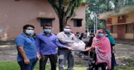 আক্কেলপুরে ৩৩৩'তে ফোন করে খাদ্য সহায়তা পেলেন ২০ পরিবার