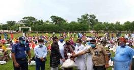 ক্ষেতলালে ৪০০ পরিবারকে খাদ্য সামগ্রী দিলো শুভসংঘ